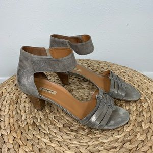 Paul Green size 7.5 Pewter Leather Sandal Heels